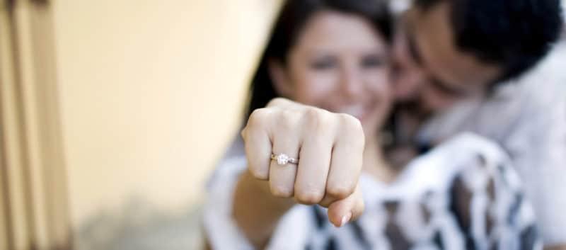 Messieurs comment bien choisir la bague de fian ailles de votre bien aim e blogueuse mode - Signification des bagues aux doigts homme ...